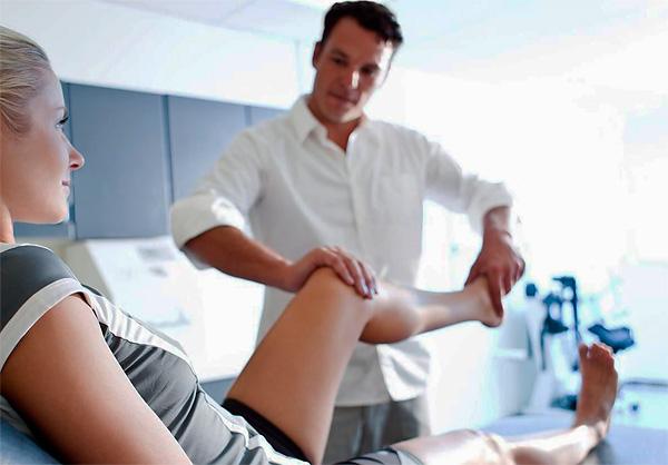 При лечении различных заболеваний суставов витамины могут назначаться только врачом, который хорошо понимает причину болезни.
