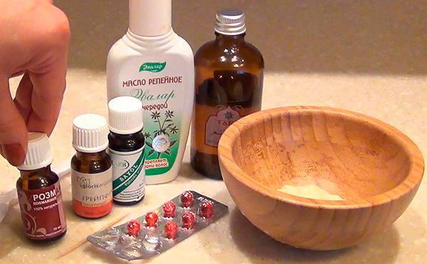 При самостоятельном приготовлении масок для лица с глицерином и витамином Е используются вполне доступные ингредиенты.